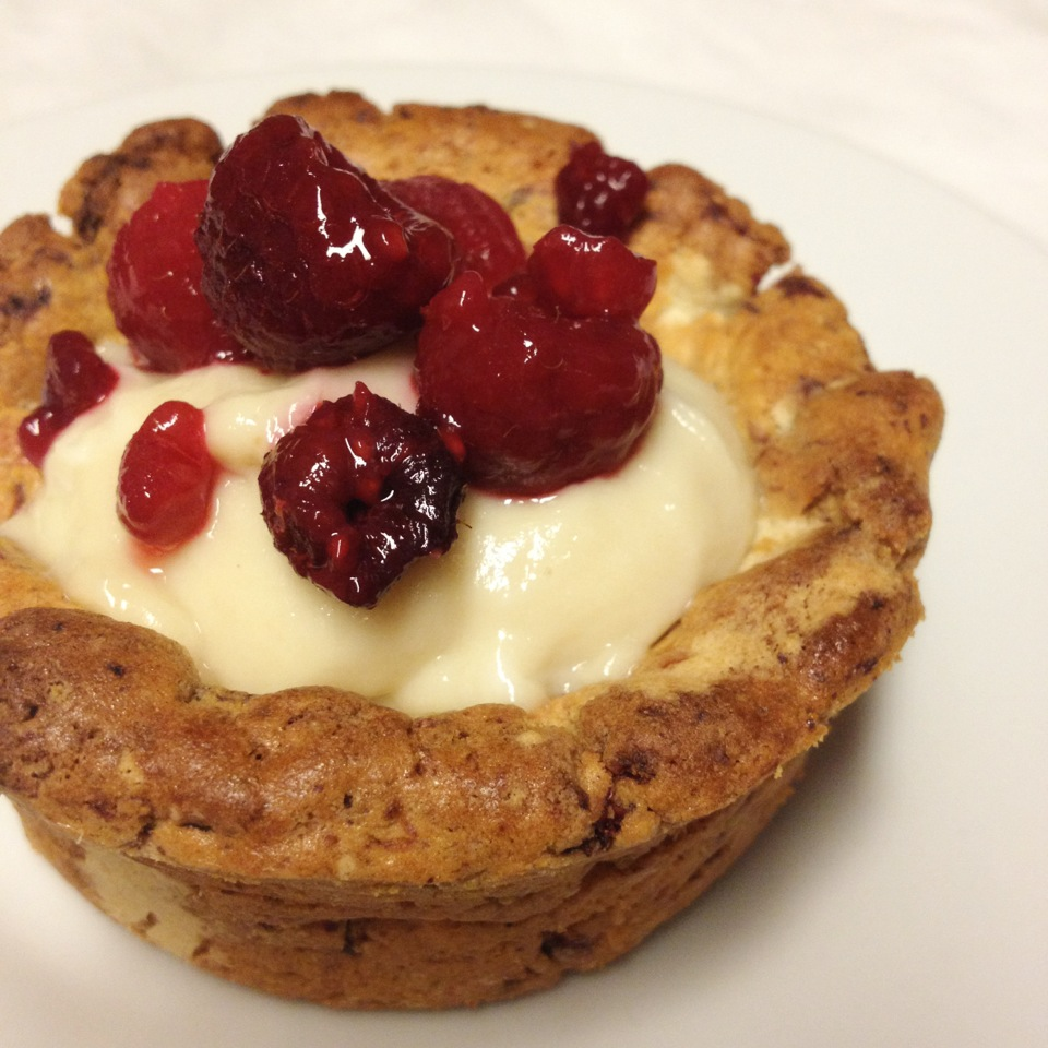 White Chocolate Raspberry Tart | Quest Nutrition