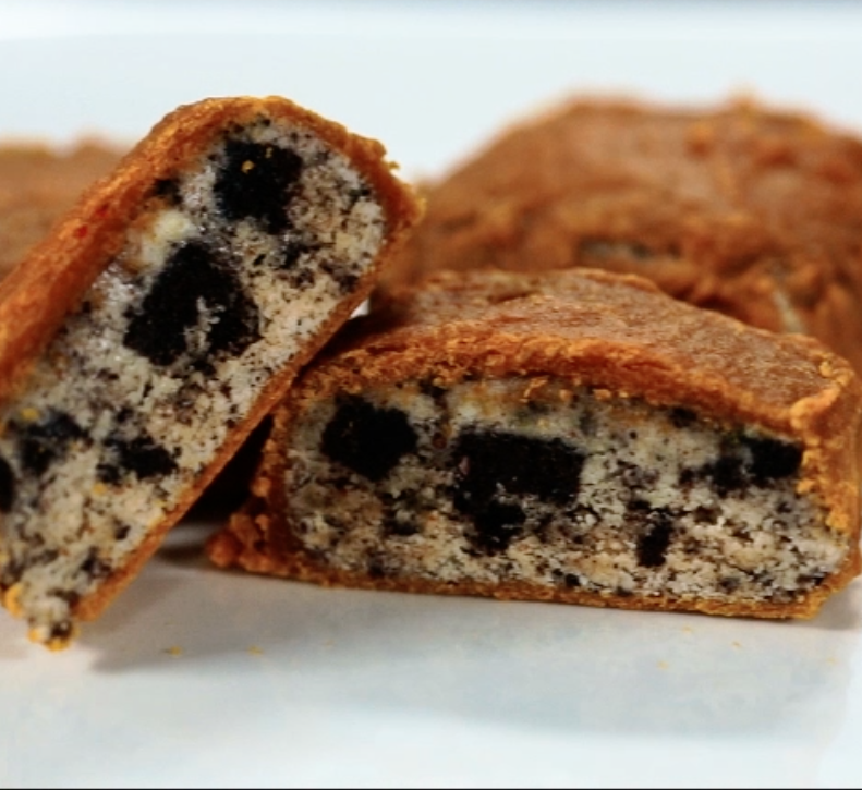 Cooking Clean with Quest: Cookies and Cream Stuffed Cookies