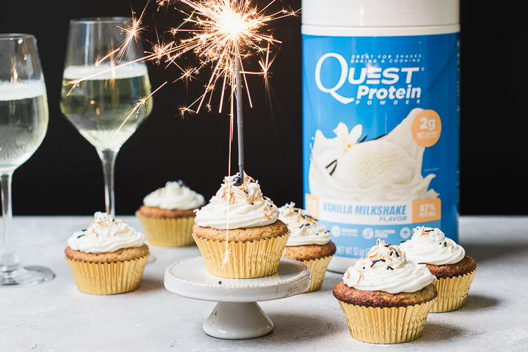 It's Truly a New Dessert for Your New Year with These Champagne Cupcakes