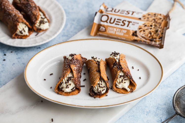 Your Dessert World Is About To Be Changed By These Cookie Dough Cannolis