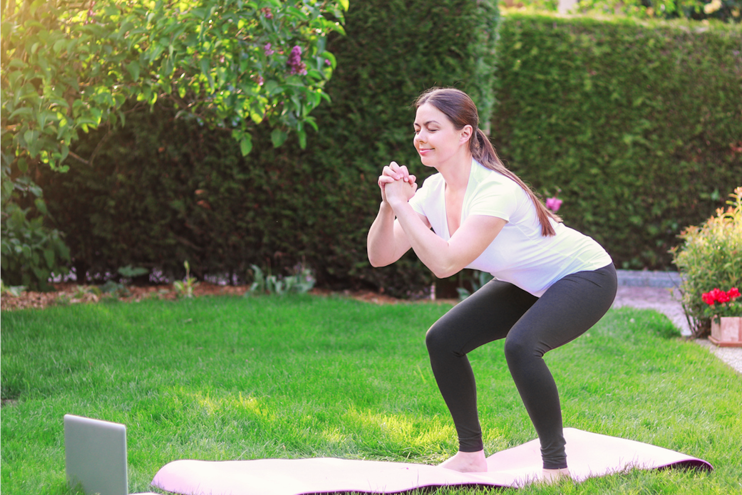 Here's a Great 10-Minute Lower Body Workout You Can Do at Home