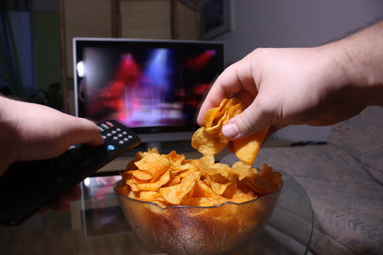 Four Reasons You Are Overeating at Night and How to Curb the Habit
